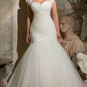 Beautiful wedding dress ❤️